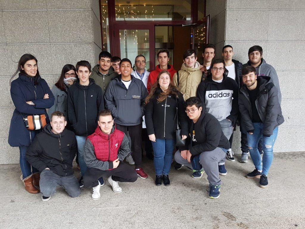 Imaxe de grupo da visita de 1SMR á Amtega e ó Cixtec